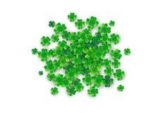 Fondo di giorno di Patricks nella forma rotonda del cerchio con quattro trifogli verdi illustrazione di stock