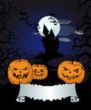 Fondo di Halloween con le zucche, il vecchio castello e l'insegna Immagini Stock