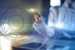 Fondo di ingegneria con il progetto degli ingranaggi sullo schermo virtuale Innovazione di affari e concetto moderno di tecnologi royalty illustrazione gratis