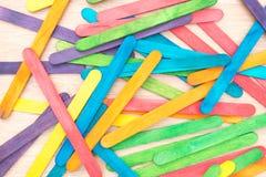 Fondo di legno Colourful del bastone del gelato Fotografie Stock Libere da Diritti