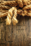 Fondo di legno con la corda Fotografia Stock Libera da Diritti