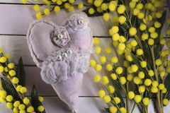 Fondo di legno con la mimosa Fotografia Stock