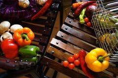 Fondo di legno con la verdura Fotografia Stock
