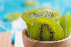 Fondo di legno conservato secco di Kiwi Fruit Immagine Stock