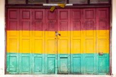 Fondo di legno della vecchia porta Fotografia Stock Libera da Diritti