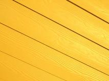 Fondo di legno diagonale giallo del modello Fotografia Stock