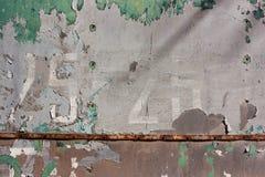 Fondo di lerciume con la pelatura della pittura grigia e verde Fotografia Stock Libera da Diritti
