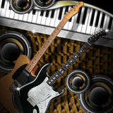 Woofers e piano delle chitarre Fotografia Stock Libera da Diritti