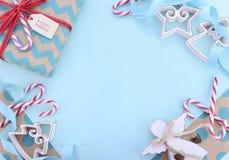 Fondo di Natale con i confini decorati Fotografia Stock Libera da Diritti