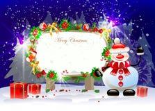 Fondo di Natale con il pupazzo di neve, i presente e lo schermo per testo Fotografie Stock Libere da Diritti