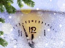 Fondo di Natale con l'orologio Fotografia Stock Libera da Diritti