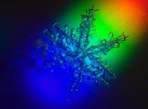 Fondo di Natale con la macro dello snowlake immagini stock libere da diritti