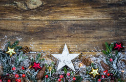 Fondo di Natale con la stella di legno bianca fotografia stock