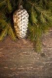 Fondo di Natale con le decorazioni d'annata Fotografie Stock Libere da Diritti