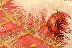 Fondo di Natale con le palle rosse del nuovo anno Fotografie Stock Libere da Diritti