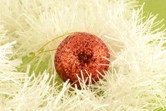 Fondo di Natale con le palle rosse del nuovo anno Immagine Stock