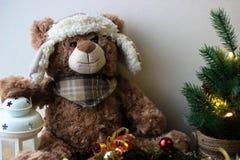 Fondo di Natale con un orsacchiotto immagini stock