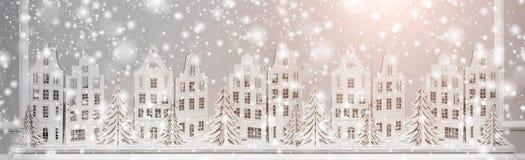 Fondo di Natale delle decorazioni di carta Composizione nel buon anno ed in natale fotografia stock