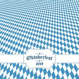 Fondo 2018 di Oktoberfest con il modello a quadretti bianco blu Immagine Stock