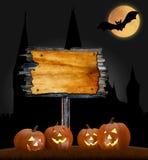 Fondo di orrore con la luna piena ed i pipistrelli Spazio per il vostro testo di festa di Halloween Immagini Stock