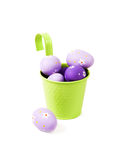 Fondo di Pasqua con le decorazioni dell'uovo. Immagini Stock