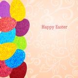 Fondo di Pasqua con le uova variopinte dell'ornamento Fotografia Stock