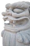 Fondo di pietra di isolamento della statua del leone Fotografia Stock