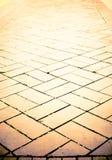 Fondo di prospettiva: pavimento arancio del mattone Fotografia Stock