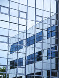 Fondo di riflessione dell'edificio per uffici Immagine Stock