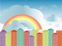 Fondo di serie della città Costruzioni variopinte, cielo nuvoloso blu, arcobaleno, vettore Fotografia Stock