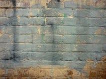 Fondo di struttura dei graffiti dipinto vecchio muro di mattoni fotografia stock libera da diritti