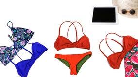 Fondo di vacanze estive, costumi degli accessori di viaggio, bikini Fotografia Stock