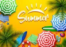Fondo di vacanze estive nella sabbia gialla della spiaggia Vista superiore delle collezioni dell'elemento della spiaggia illustrazione di stock