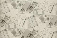 Fondo di vecchi giornali Struttura del fondo, vista superiore immagine stock libera da diritti