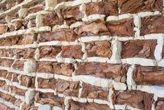 Fondo di vecchio muro di mattoni di sbriciolatura d'annata Fotografie Stock