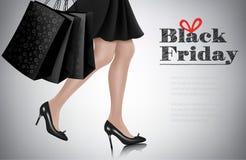 Fondo di vendita di Black Friday con la donna elegante di acquisto Fotografie Stock Libere da Diritti