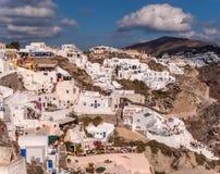 Fondo di viaggio di concetto Isola di Cycladic Vista meravigliosa di Santorin immagine stock