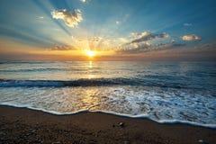 Fondo di vista sul mare con su alba Fotografie Stock