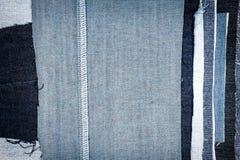 Fondo differente astratto di struttura delle bande dei jeans fotografia stock libera da diritti
