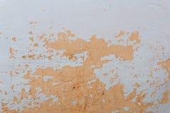 Fondo dipinto del ` s della parete/struttura reale arancio isolata su bianco con lo spazio della copia Fotografia Stock