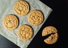Fondo dolce del biscotto del biscotto Biscotto impilato domestico del burro Fotografie Stock