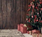 Fondo ed albero di Natale di legno Fotografia Stock Libera da Diritti