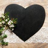 Fondo elegante lamentable con la pizarra del corazón fotos de archivo libres de regalías