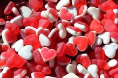 Fondo en forma de corazón de los caramelos de la goma Imagen de archivo