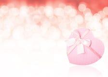 Fondo en forma de corazón rosado de la caja de regalo Imágenes de archivo libres de regalías