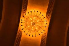 Fondo encendido adornado del tejado una iluminación real del tejado imagen de archivo
