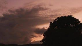 Fondo escénico del cielo de la puesta del sol metrajes