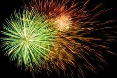 Fondo espectacular de los fuegos artificiales Imagen de archivo