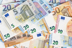 Fondo euro de las cuentas de los billetes de banco de la moneda de la unión europea euro 2, 10, 20 y 50 Economía de los ricos del Fotografía de archivo