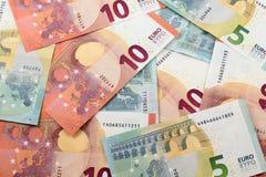 fondo euro de 5 y 10 notas Fotos de archivo libres de regalías